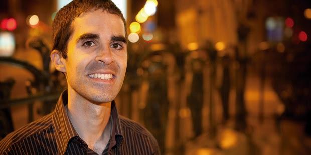 Activistas del lobby gay interrumpen la charla del católico homosexual Philippe Ariño en Barcelona
