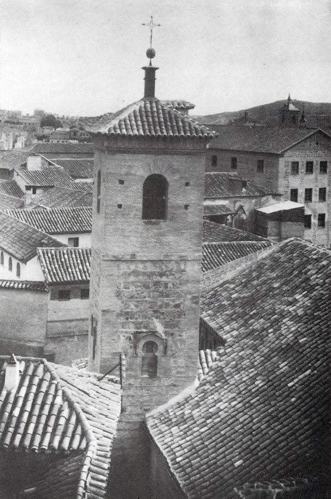 Fachada oeste de la Iglesia de San Bartolomé tras la restauración de 1940.