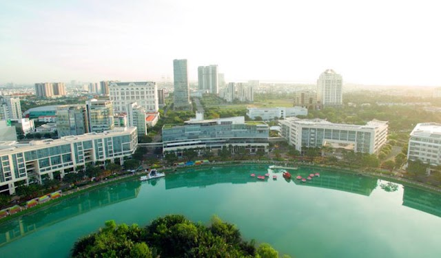 Take in the beautiful view of the S-shaped strip of land through Fly Vietnam photos