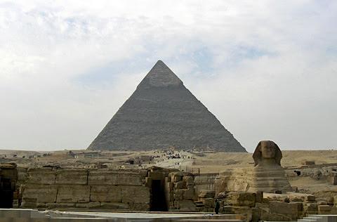 http://egyptsites.files.wordpress.com/2009/02/khafre-31.jpg?w=480&h=316