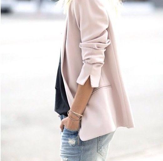 Minimal + Classic: Blush blazer