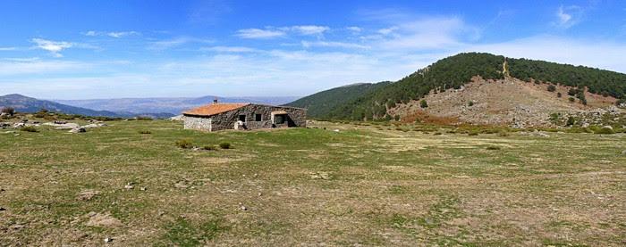 Foto de  Valle de Iruelas y de la Yedra, Pozo de la Nieve.