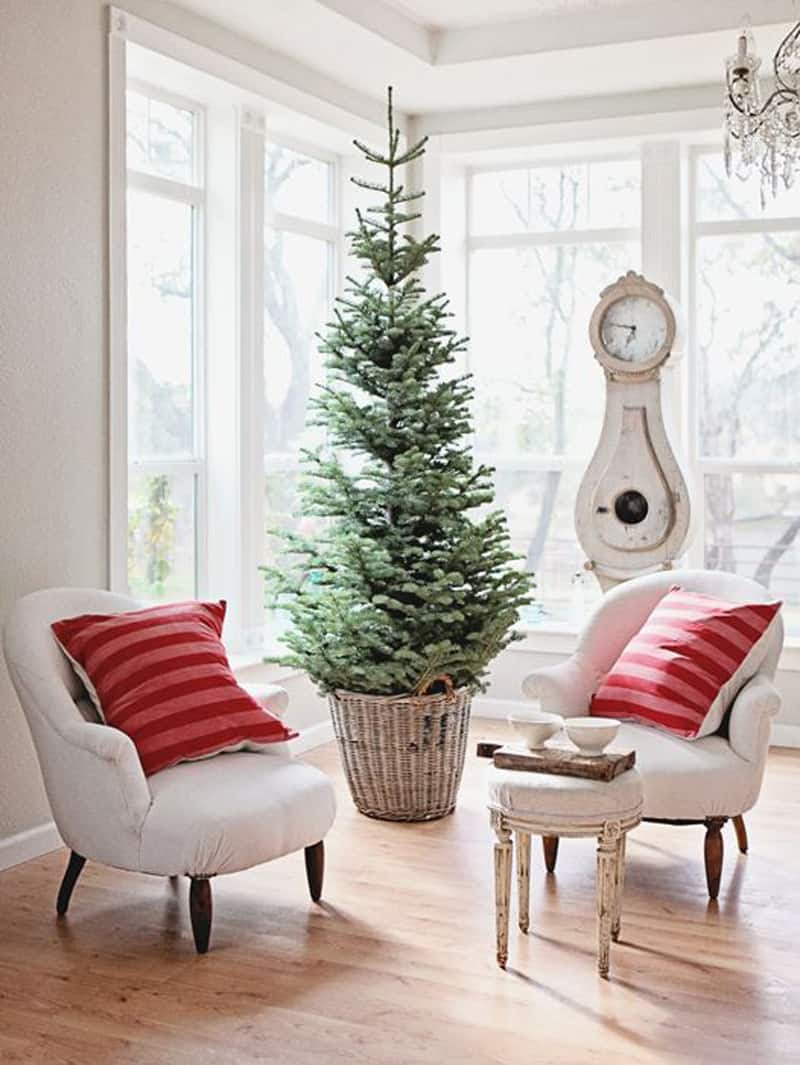 Simple and Natural: Christmas Tree Decorating Ideas for 2015