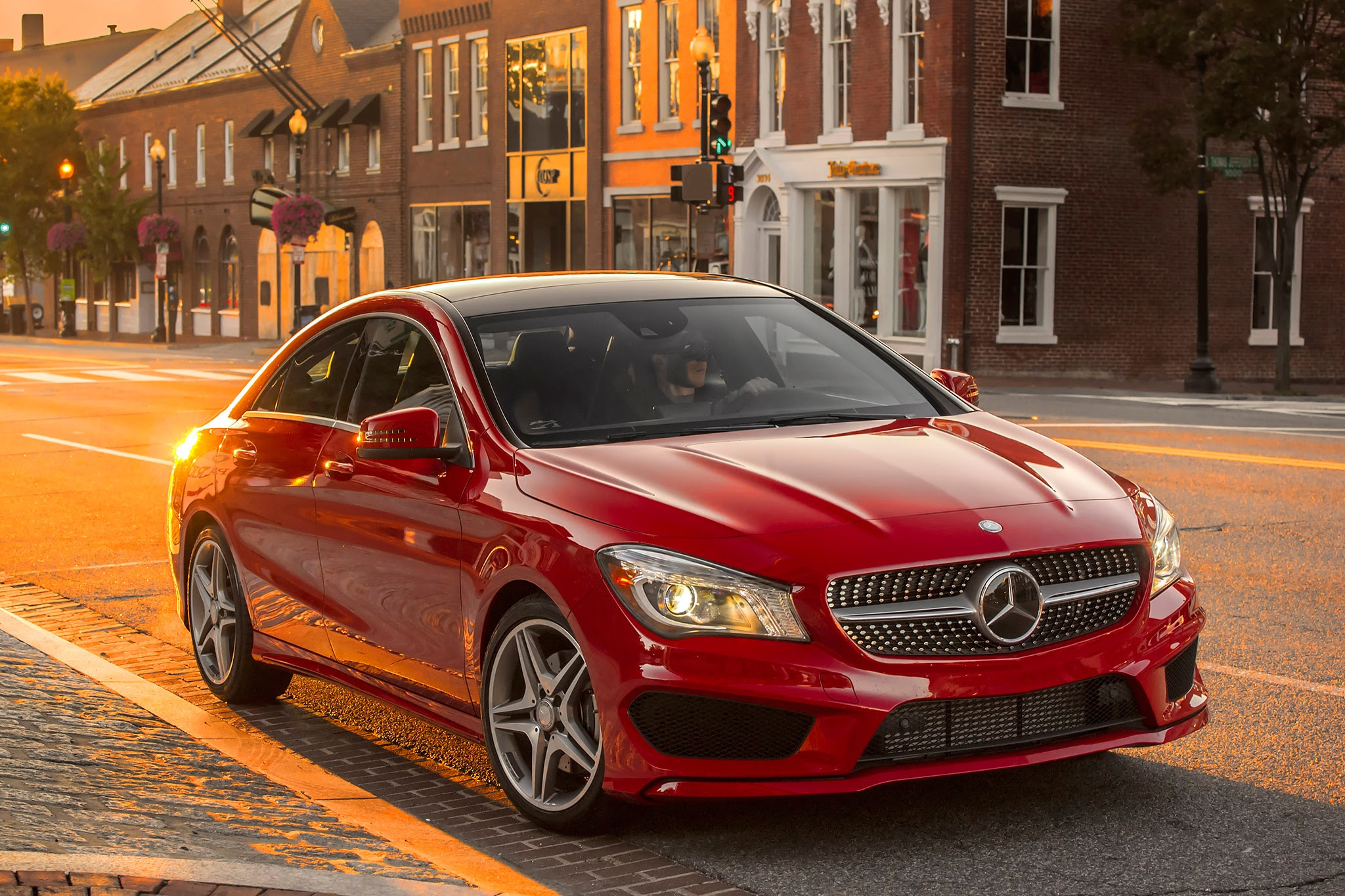 2015 Mercedes-Benz CLA Price Increases $1,600 to $32,425