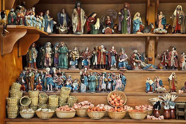 Santa Llucia Market Holy Scenes, Barcelona [enlarge]