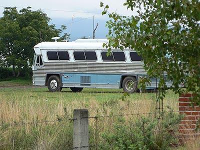bus sur la route de puebla.jpg