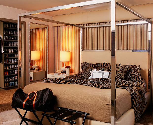 classic-chic-beige-and-brown-bedroom-with-metal-frame-four-poster-bed