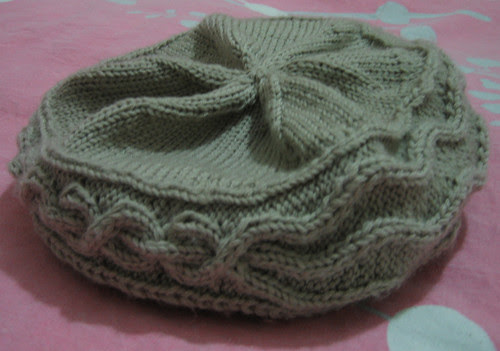 http://craft-craft.net/wp-content/uploads/2012/01/cabled-beret-women-knitting-patterns-craft-craft-1660621770357078096.jpg