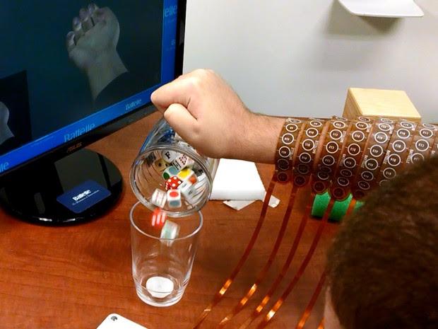 Técnica permitiu realização de movimentos sofisticados (Foto: Ohio State University Wexner Medical Center/ Batelle)