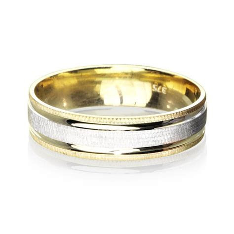 How Much Does An Average Man S Wedding Ring Weigh   Wedding