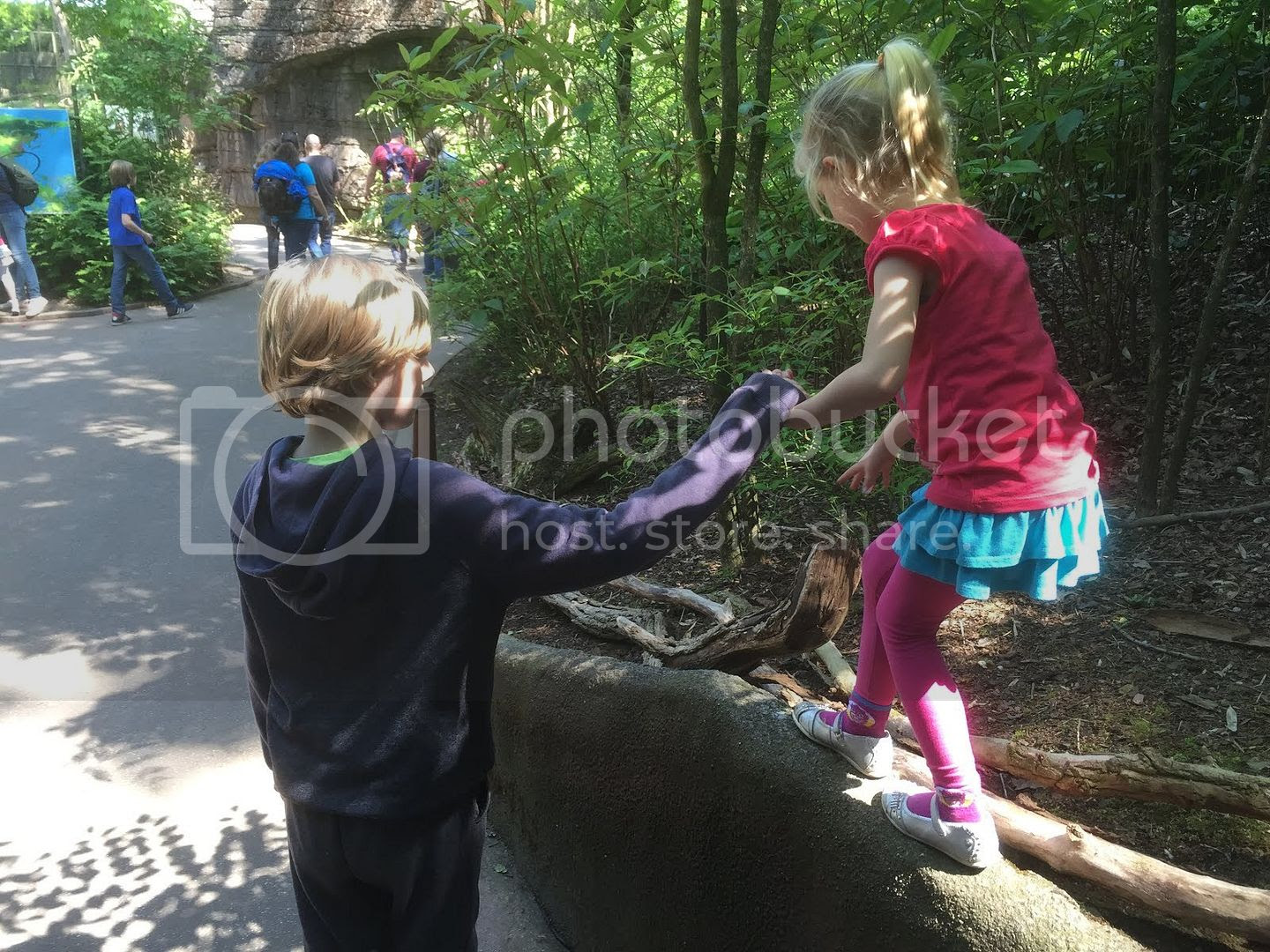 photo Berend helping his niece at the zoo.jpg