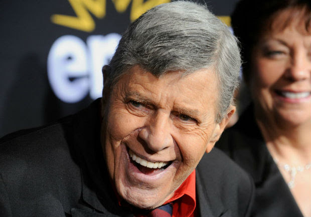 """FILE PHOTO - U.S. comedian Jerry Lewis attends a special screening of the feature-length documentary """"Method to the Madness of Jerry Lewis"""" at Paramount Studios in Los Angeles, California, U.S. on December 7, 2011. REUTERS/Phil McCarten/File Photo ORG XMIT: TOR311"""