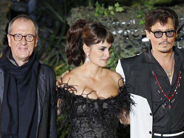 Johnny Depp, Penelope Cruz and Geoffrey Rush comparecem à pré-estreia de 'Piratas do Caribe 4 - navegando em águas misteriosas'  na Disneylândia de Anaheim, na Califórnia neste sábado (7) (Foto: Reuters/Mario Anzuoni)