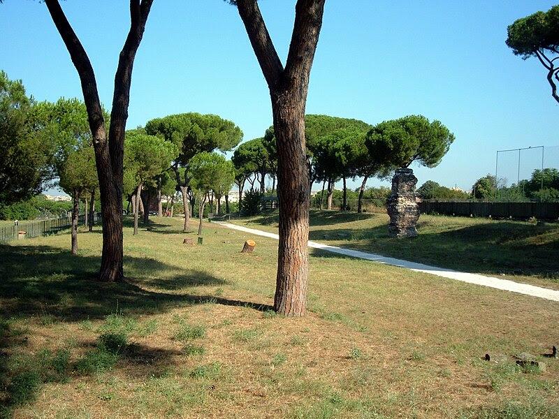 File:Parco Tombe della Via Latina 20.JPG