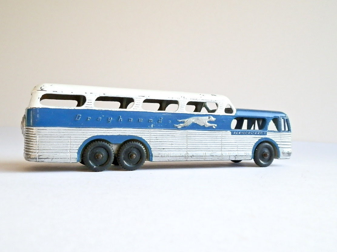 Vintage Tootsietoy Greyhound Bus
