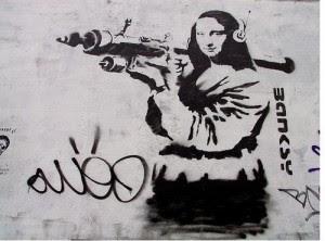 banksy,graffiti,gun,mona,lisa,photo,stencil-4f0fb04616a94b2f770963710a792157_h