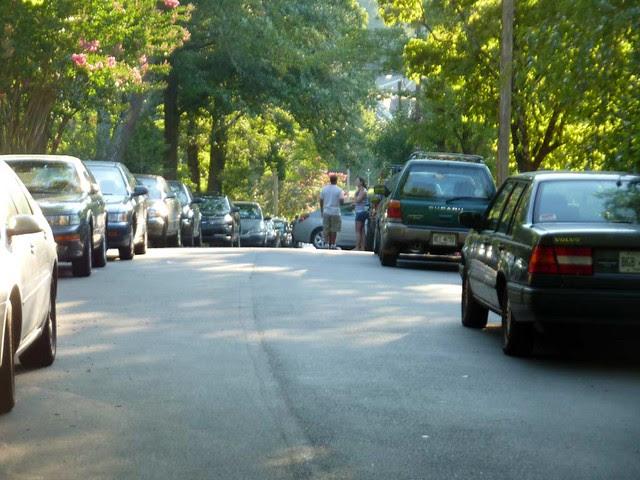 P1020848-2010-07-04-4th-July-Flag-Reeder-Parking
