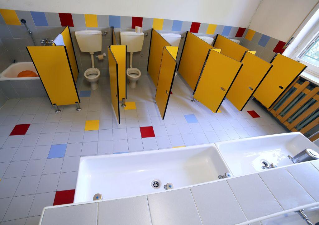 Toalety w szkołach i przedszkolach – o czym należy ...