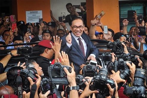 Anwar bebas, selamat tiba di Bukit Segambut