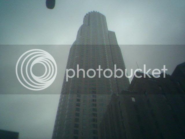 US Bank Tower, closer