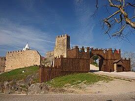 Castelo de Penela - vista geral.JPG