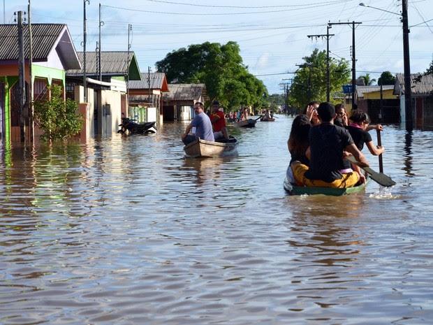 Rio Tarauacá ultrapassou novamente cota de transbordamento e desabrigou 10 famílias (Foto: Jardy Lopes/ Asscom Prefeitura de Tarauacá)