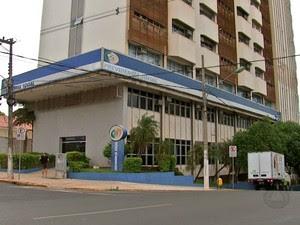 População não está conseguindo ser atendida por médicos peritos do INSS em Mato Grosso. (Foto: Reprodução/TVCA)