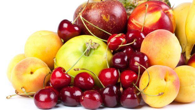 Cerezas, manzanas, duraznos
