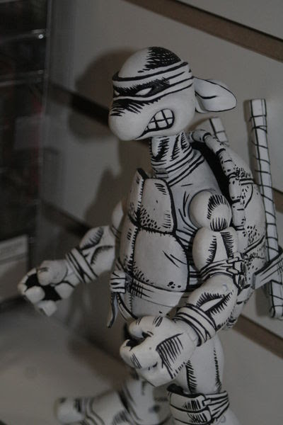 NECA's TMNT ..  Black and White sketch variant Leonardo proto - ii  ..// U.S. Toy Fair 2008    [[ Courtesy Action-Figure.com ]]