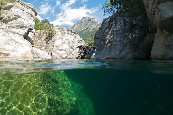 perierga.gr - Verzasca Valley: Η εξωτική κοιλάδα της Ελβετίας!
