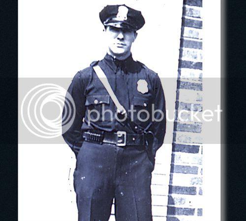photo cop_1940_zpsf8017d10.jpg