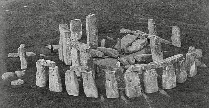 Stonehenge, tal como estaba en el año 1915.