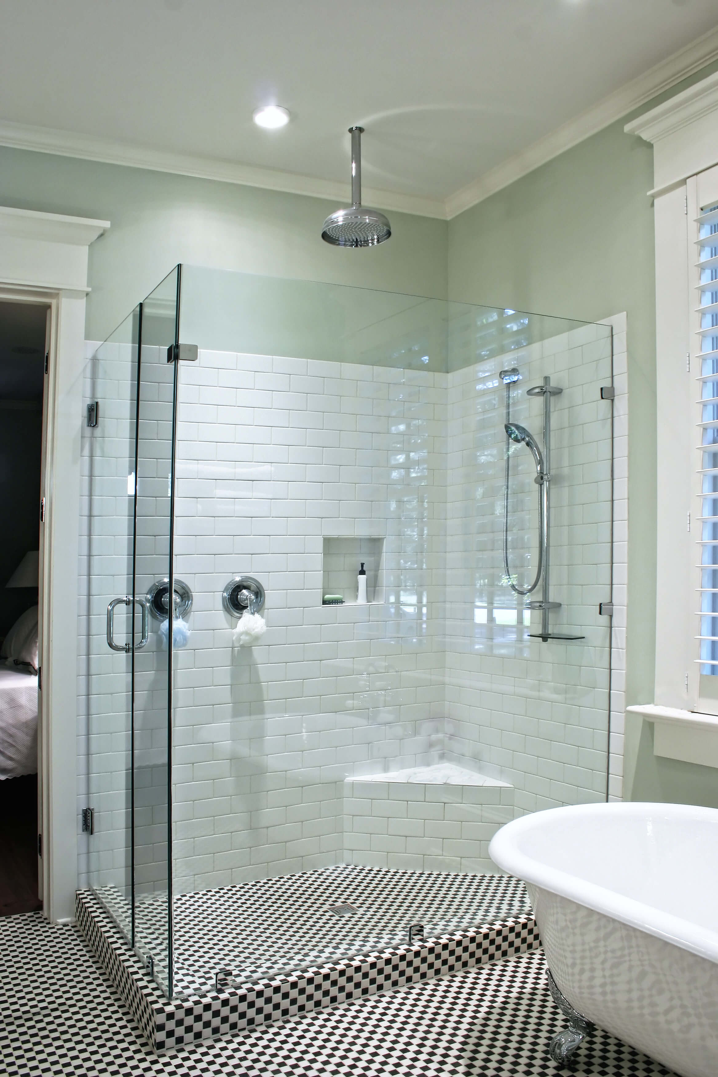 Bathroom Design and Decor Ideas (LUXURY BATHROOMS)