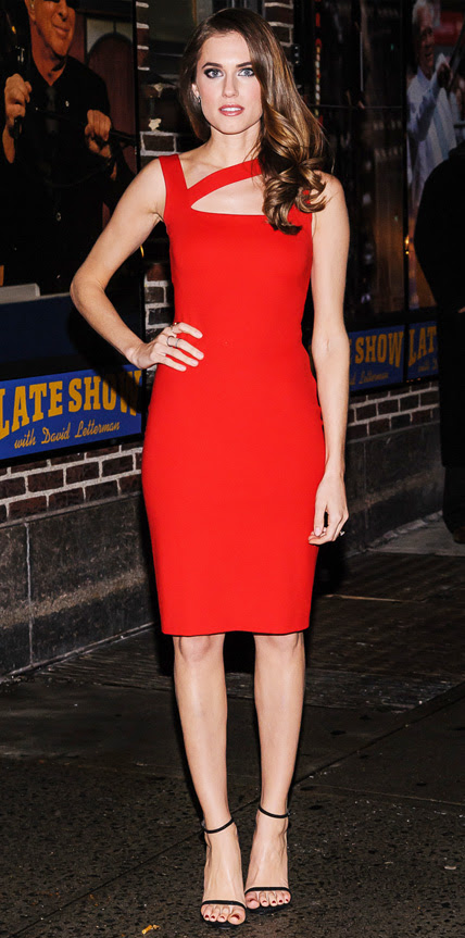 Allison Williams in Ralph Lauren Black Label Hollywood and Fashion Style Stars - My 5 Best Dressed 1/9/2014