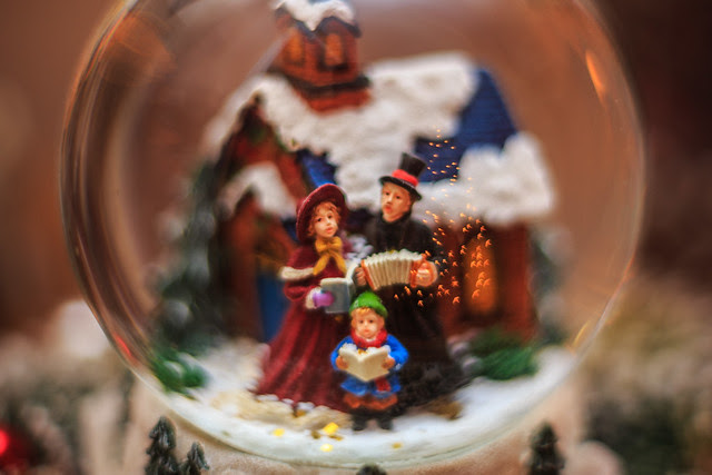 The Little Family in the Snow Globe #Flickr12Days