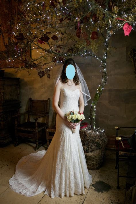 Stunning Karen George lace wedding dress (ivory)   Sell My