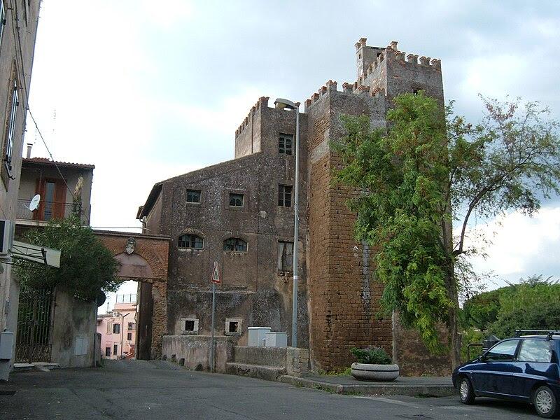 File:San Vittorino Romano 03 Castello Barberini.JPG