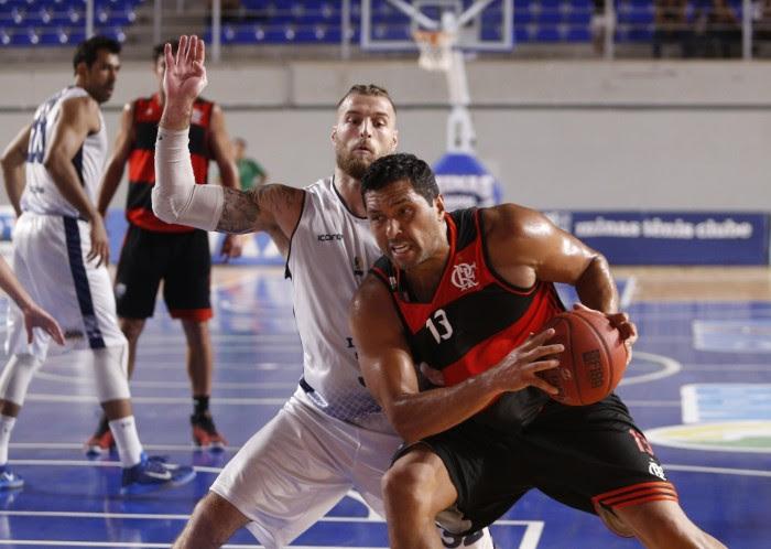 Fla Basquete vence com 29 pontos de diferença e mantém liderança