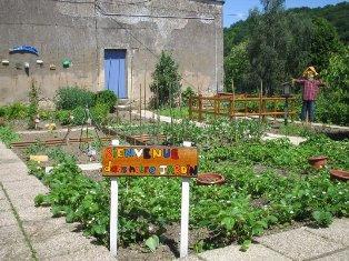 Ecole Maternelle Les Jardins  Vedne 84270