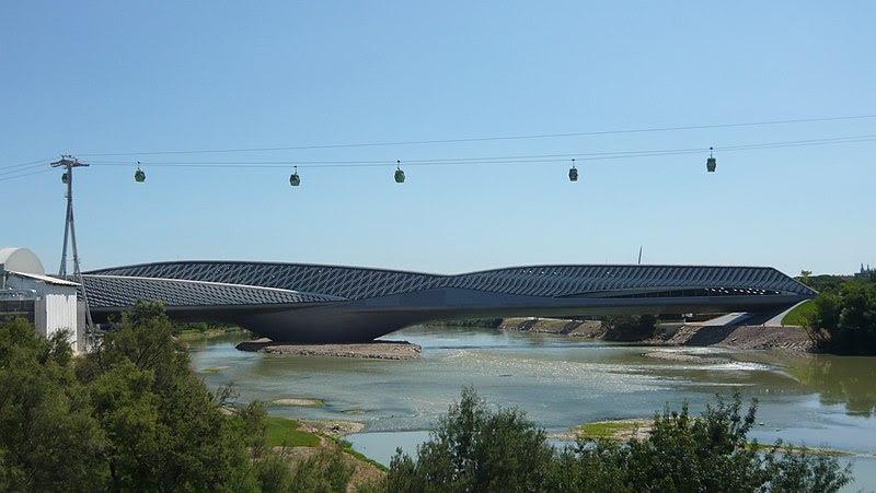 Archivo:Pabellon puente Expo 2008 10.JPG