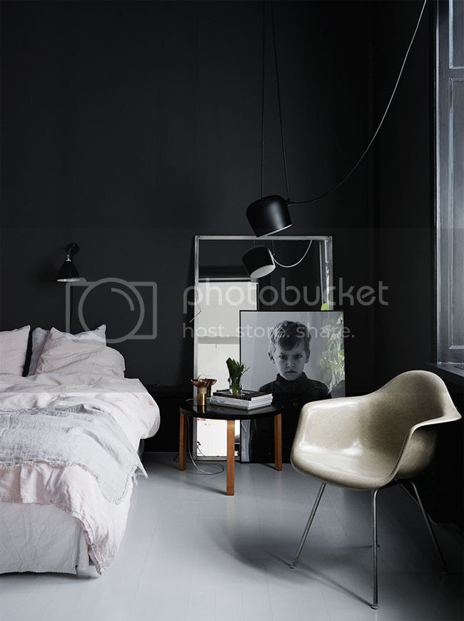 photo black-bedroom_zpsfknmlbxz.jpg