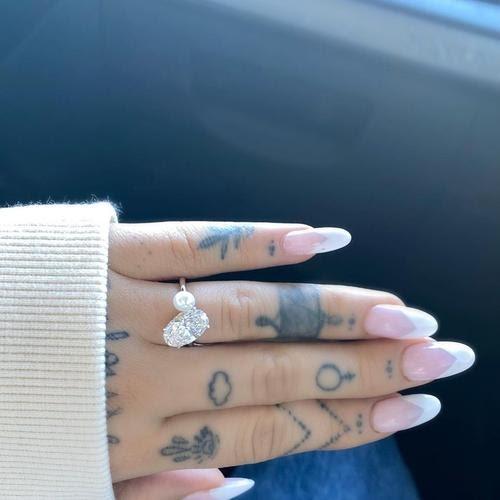 Ariana Grande engaged to Dalton Gomez