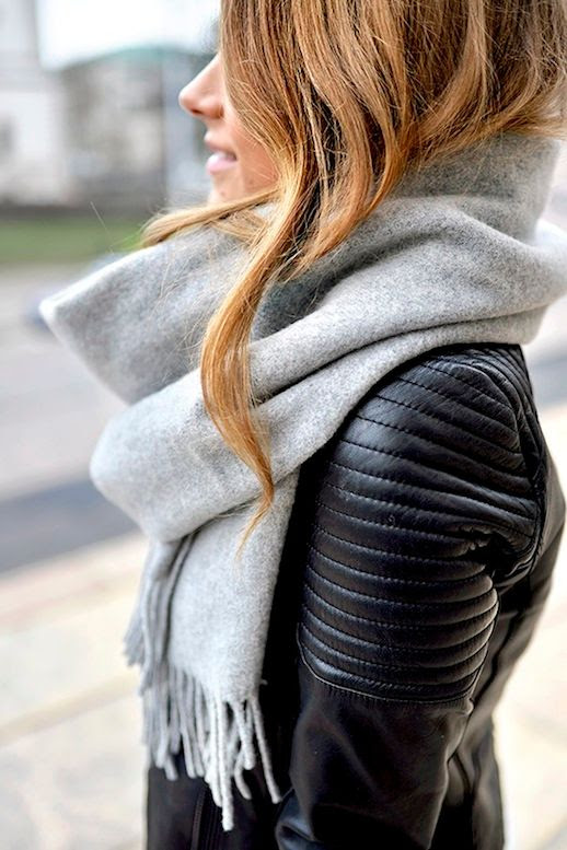 Le Fashion Blog Blogger Marianna Oversized Scarf Ribbed Sleeve Leather Moto Jacket Wavy Hair Via Mariannan