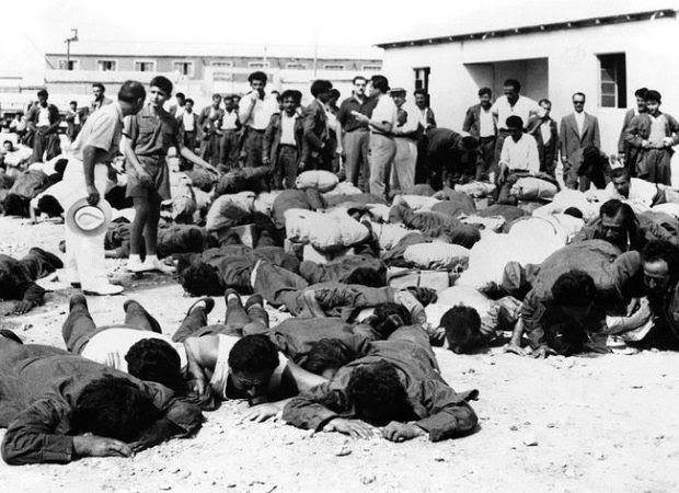 Μία εικόνα 1000 λέξεις: Έλληνες αιχμάλωτοι επιστρέφουν το 1956 από την Αλβανία