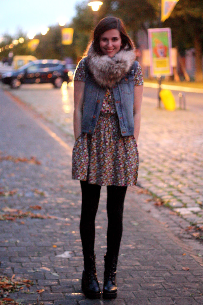 Autumn Night, Floral and Fur Collar