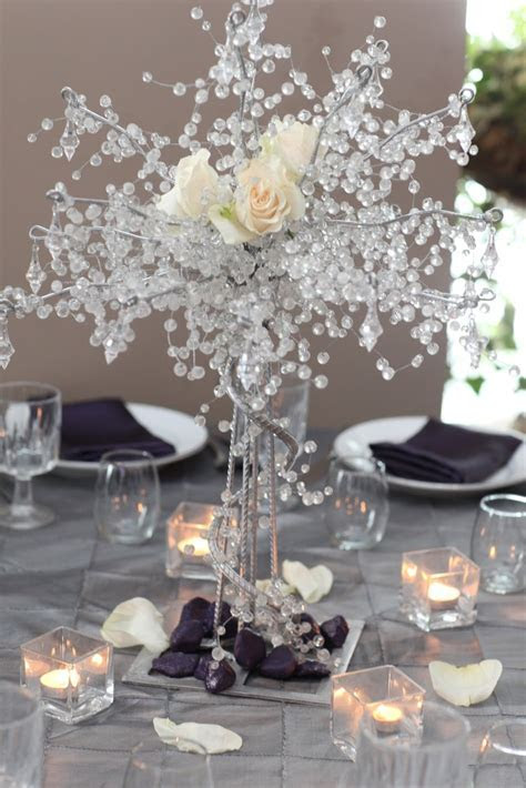 31 Table Centerpieces Ideas for New Year?s Eve   Table
