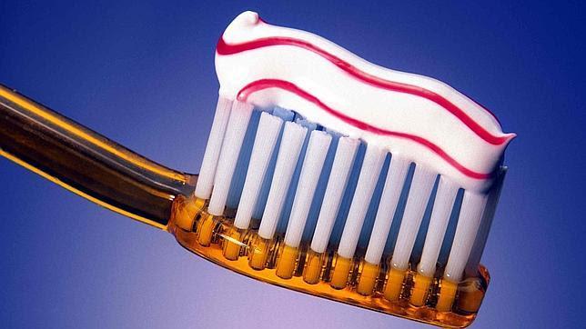 Image result for Cepilla tus dientes después de comer, menos cuando tomes dulces