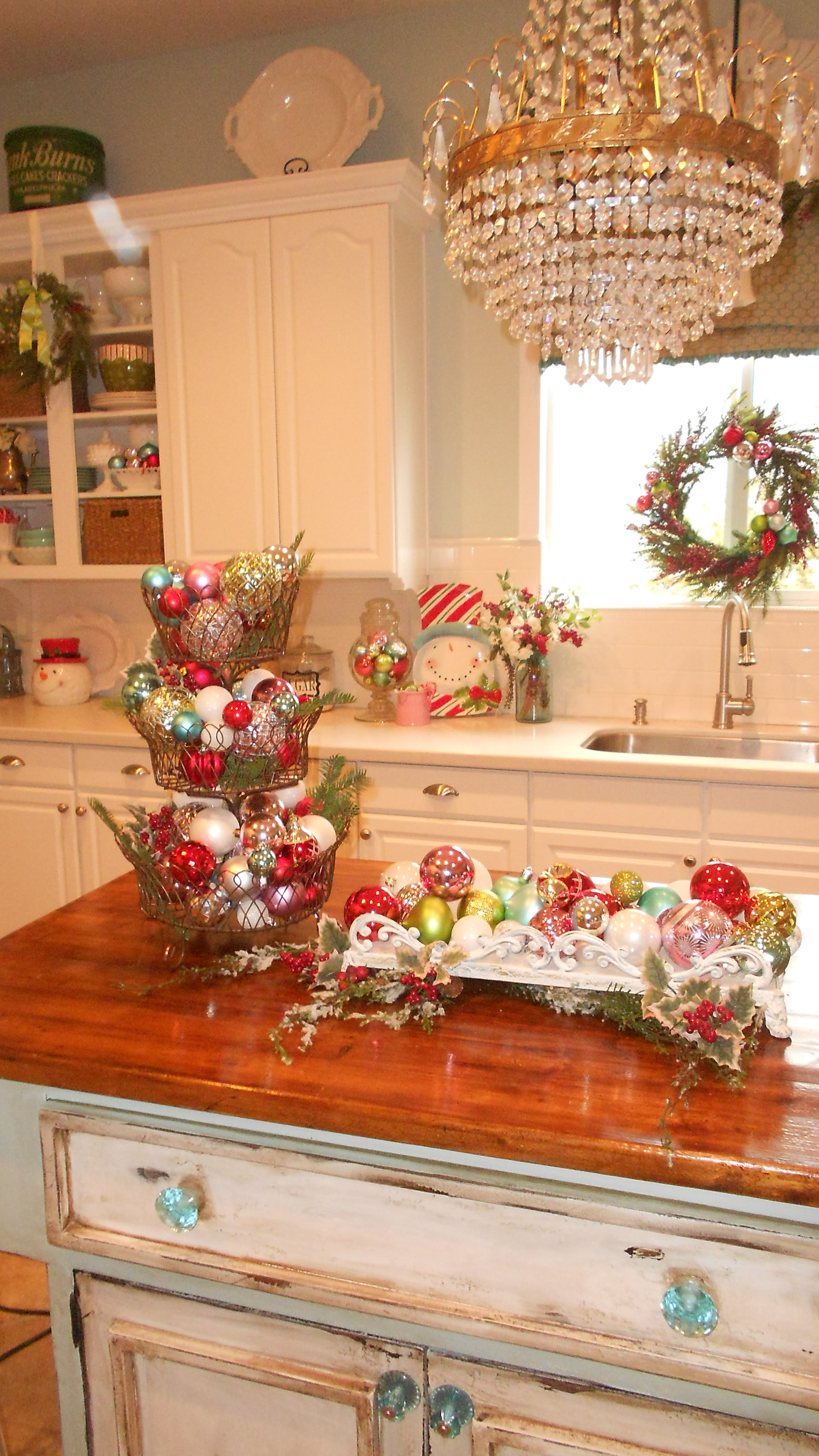 Top 40 Christmas Decorations Ideas For Kitchen ...