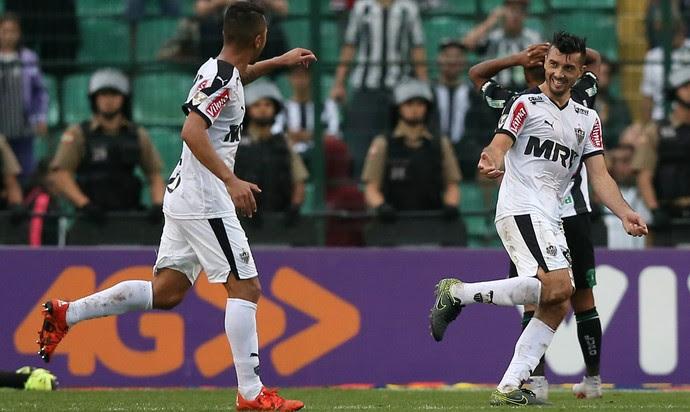 Dátolo, Figueirense x Atlético-MG Campeonato Brasileiro 2015, Orlando Scarpelli (Foto: CRISTIANO ANDUJAR/AGIF/ESTADÃO CONTEÚDO)