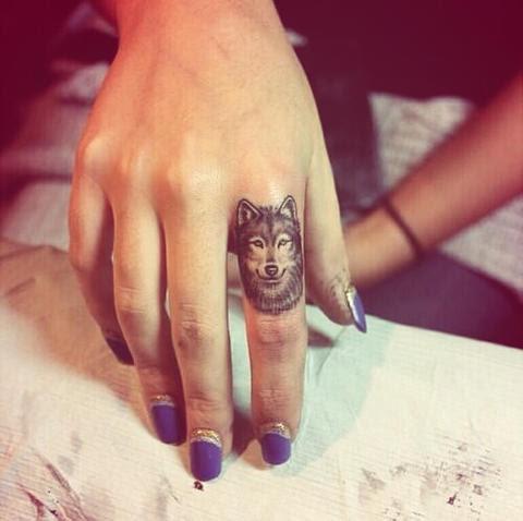 20 Ideas Originales Para Tatuajes En Los Dedos
